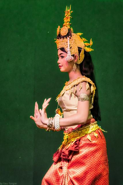 Aspara Dancer in formal traditional dress performing at  Hotel Somadevi Angkor Resort & Spa, Siem Reap, Cambodia.  152a
