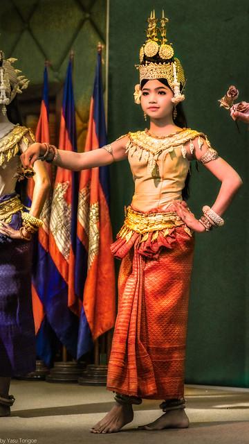 Aspara Dancer in formal traditional dress performing at  Hotel Somadevi Angkor Resort & Spa, Siem Reap, Cambodia.  168a