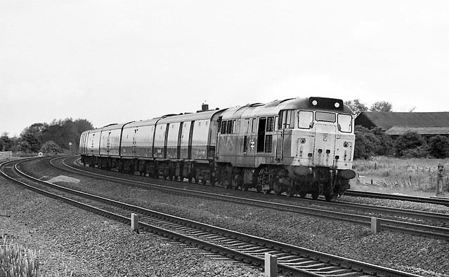 Class 31 31128, Offord Cluny - 26 May 1981