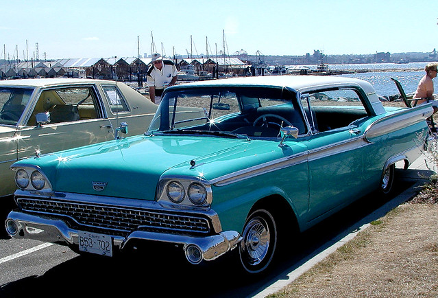 1959 Ford Fairlane 500 Skyliner power retractable hardtop,