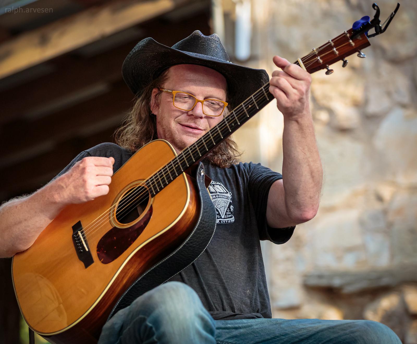 Picker Circle Acoustic Jam | Texas Review | Ralph Arvesen