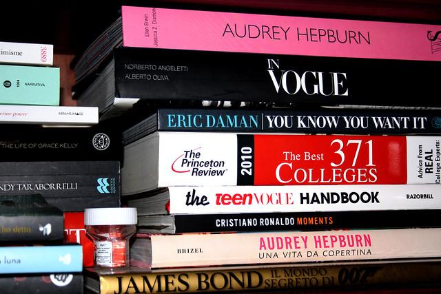 Books - Livres - Libri - книги.
