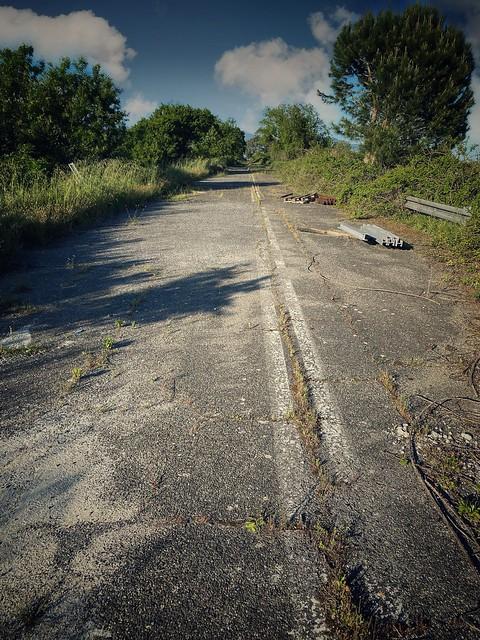 Autostrada abbandonata