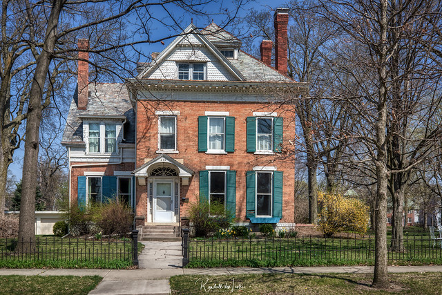 Luman Burr House, Franklin Square Historic District, Bloomington, Illinois (1 of 2)