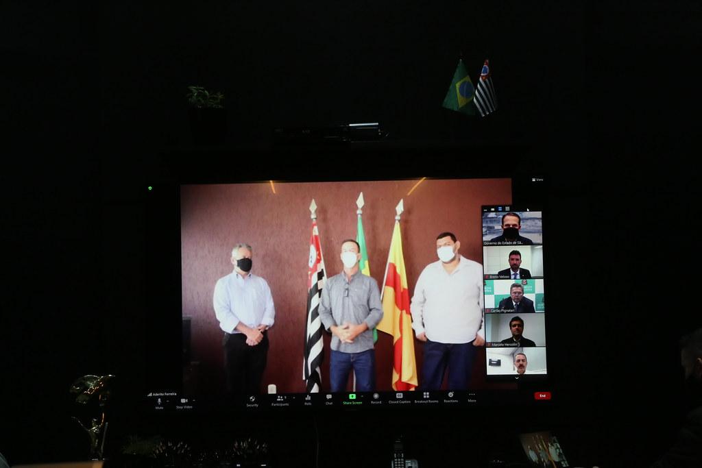 Entrega Virtual de Moradias em Indiaporã - Convênio com a CAIXA