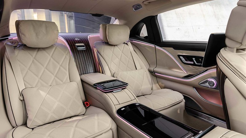 2022-mercedes-maybach-s6806