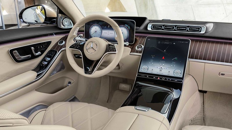 2022-mercedes-maybach-s6804