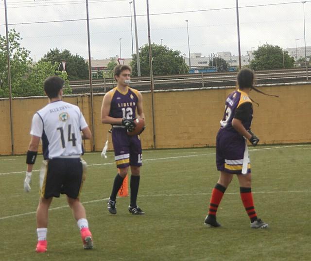 Un jugador de Sevilla Linces con el balón en la pasada jornada. - Autor - Iker García