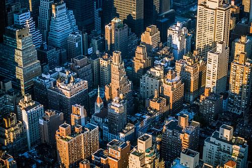 nyc newyork houses down empirestatebuilding view usa longlight