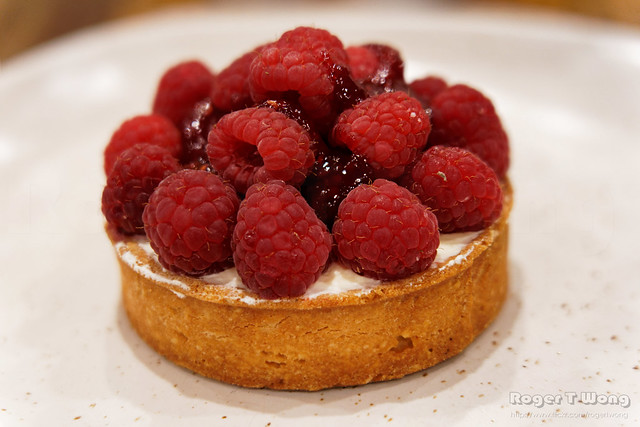 20210507-17-Raspberry tart at Zeps Cafe in Campbell Town