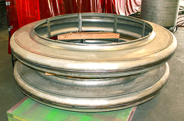 Thick Wall Expansion Joints for Large Diameter Piping in a Heat Exchanger