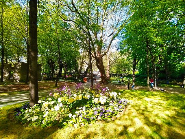 227 - Paris en Avril 2021 - dans le Parc de Bercy