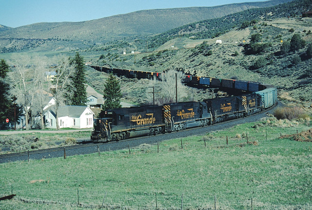 DRGW 3092 #120 Eastbound at Edwards, CO May 6, 1990