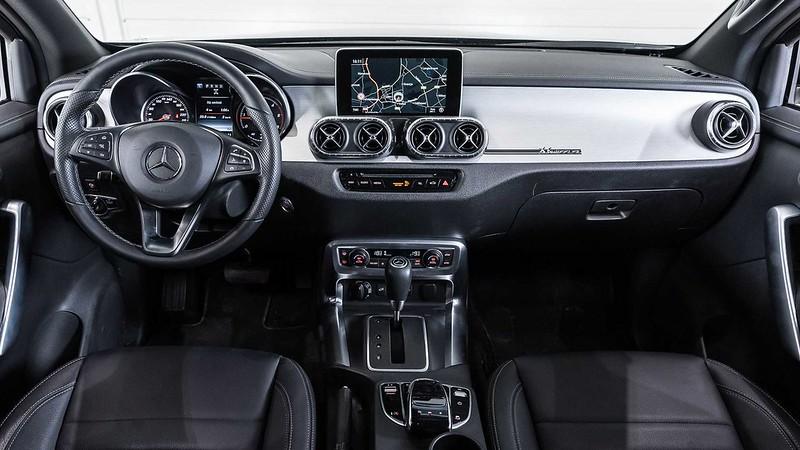 mercedes-benz-x-class-six-wheeler-dashboard