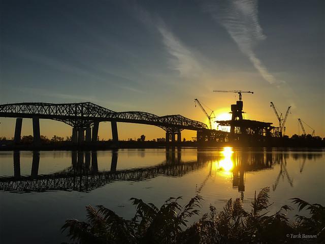 New Champlain Bridge under construction (next to old Champlain Bridge)