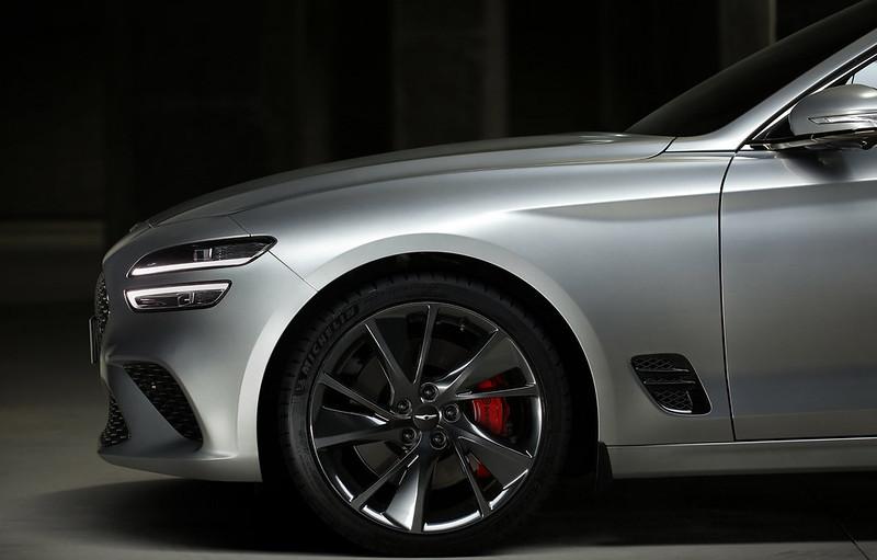 2022-Genesis-G70-Shooting-Brake-8-1