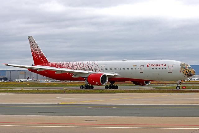 Rossiya Rossiiskie Avialinii Boeing 777-312 VP-UNP