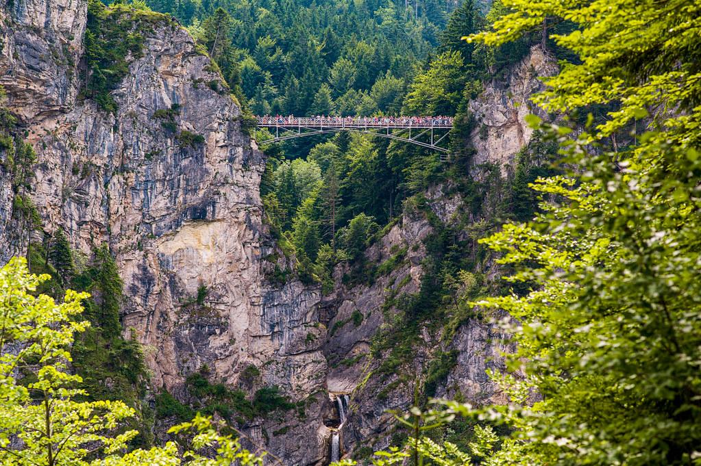 The Bridge/Die Brücke