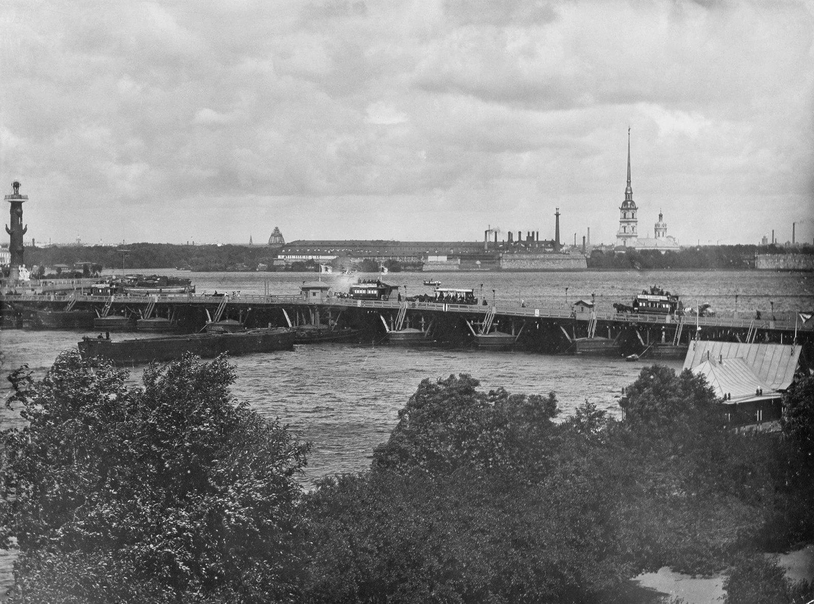 1890-е. Понтонный Дворцовый мост через Неву