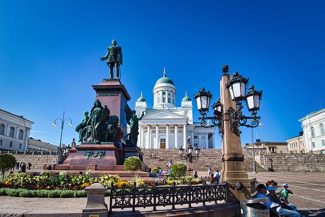 Finnland - Helsinki, Senatsplatz Alexander II. Denkmal und Dom
