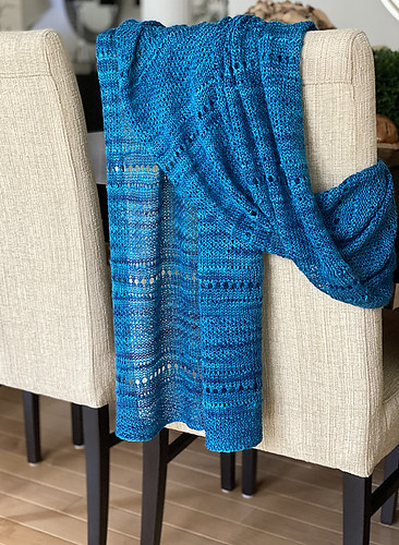 Leslie (lcritch) finished this gorgeous Textured Laguna Wrap by Expression Fiber Arts!