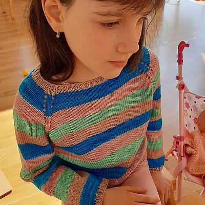 Anna (@kollar.annie) knit Trescao by Along avec Anna for her eldest!