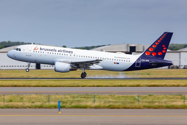 Brussels Airlines A320 (OO-SNL) landing in Brussels (EBBR)