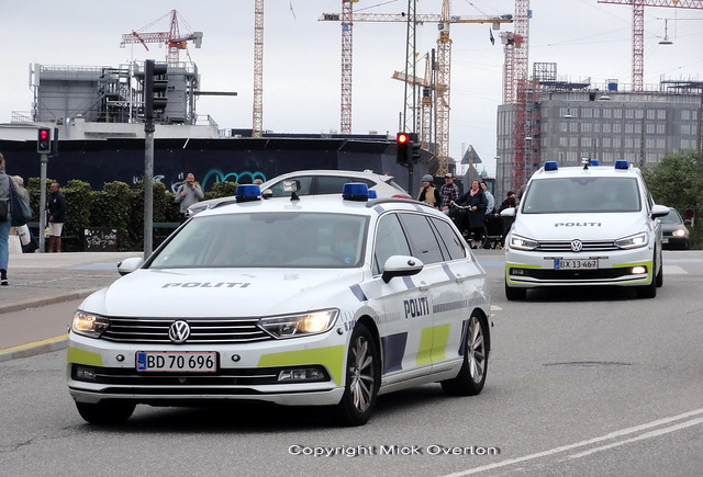 Copenhagen Police traffic patrol cars are currently a mix of older VW Passats and newer VW Tourans