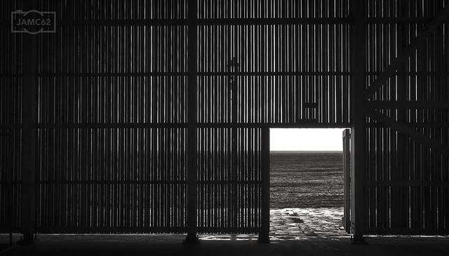 Puerta al mar / Door to the sea