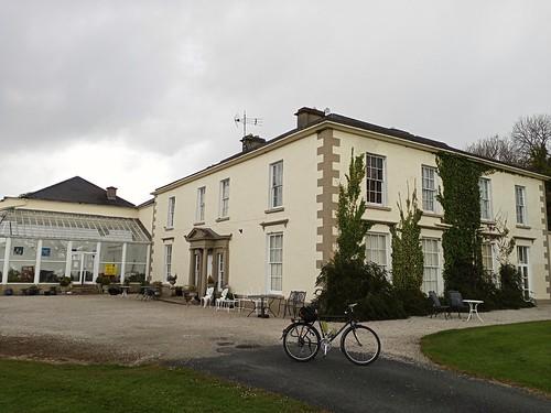 Castlgrove House