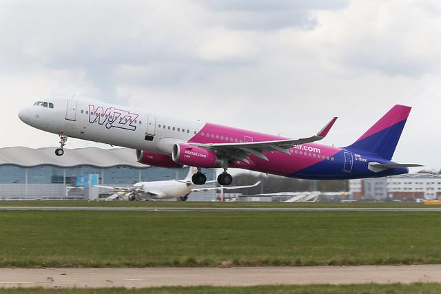 G-WUKK - 2019 build Airbus A321-231, departing from Runway 20 at Finningley