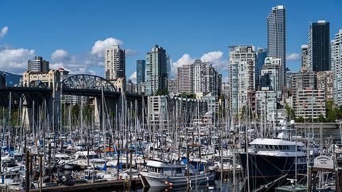 vancouver wharf marina granvilleisland skyline burrardstreetbridge downtown yachts dock ramp westcoast shoreline pacificnorthwest sonya7iii spring urban seascape