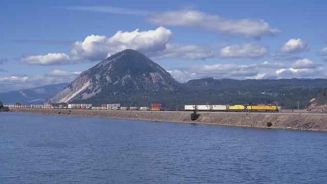 Wyeth OR - UP intermodal east