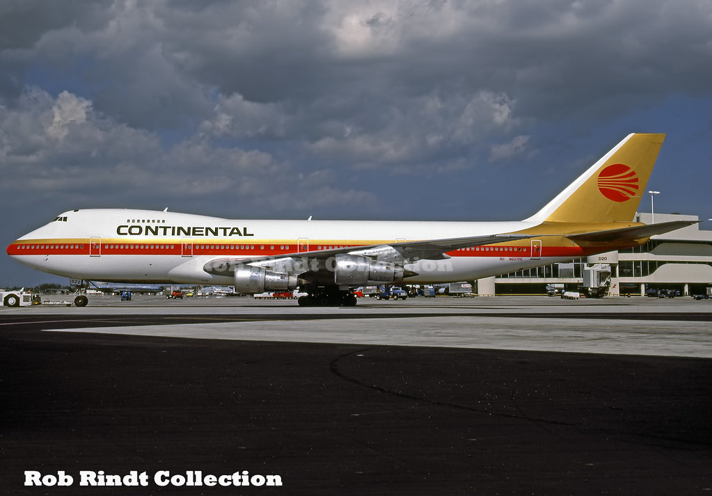 Continental Airlines B747-238B N607PE