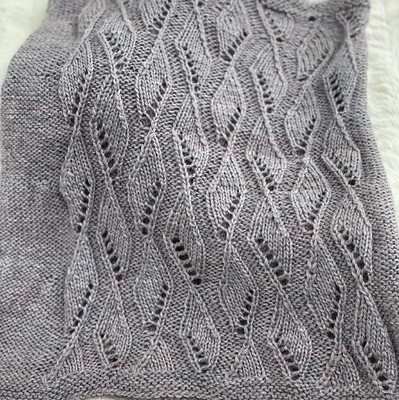 Debbie (@love.knit.spin.weave) knit this oversize cowl with her April Belfast Mini Mills from PEI subscription box.