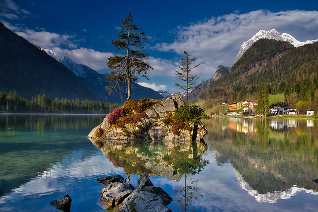 Island with tree in the Hintersee lake