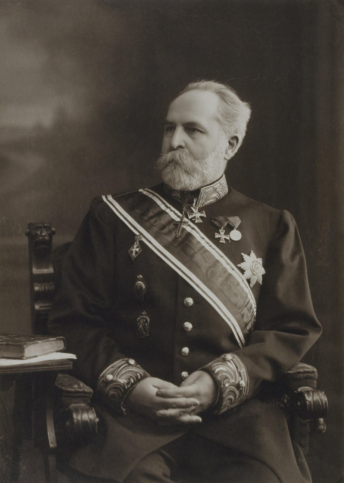1916. Портрет Николая Петровича Лихачева