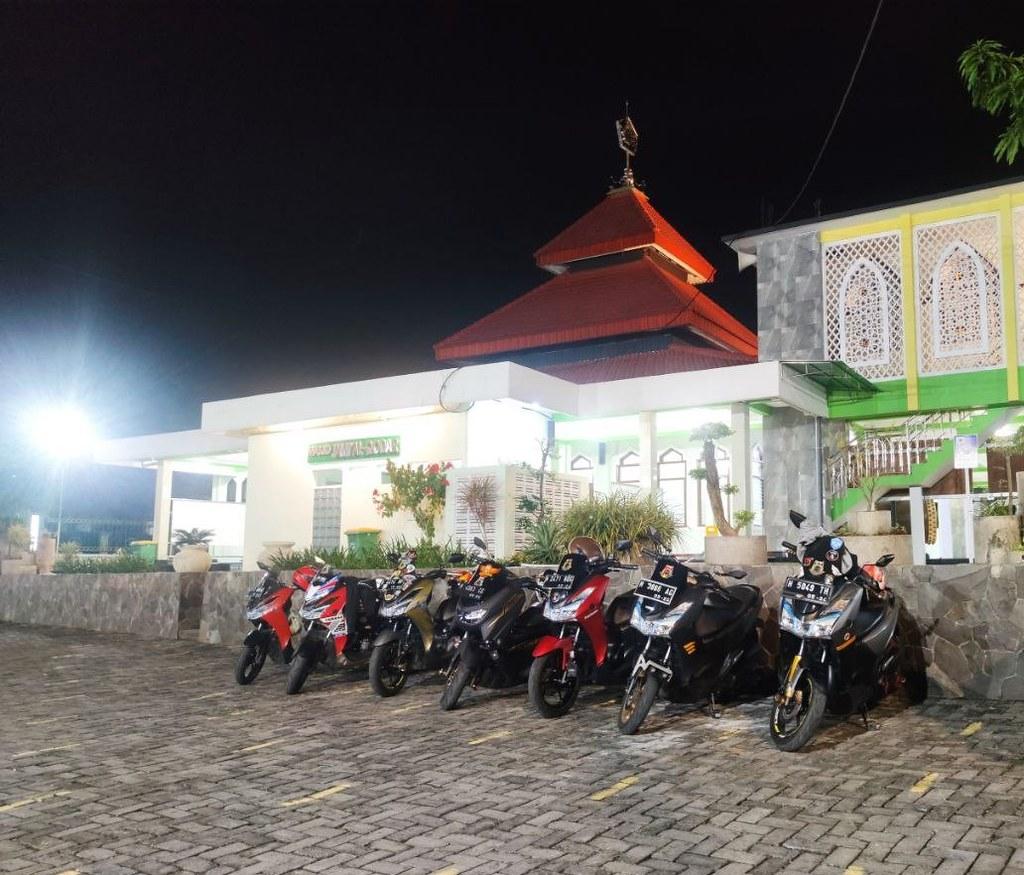Yamaha Lexi Community Semarang (YLCS) Baksos ke Panti Asuhan