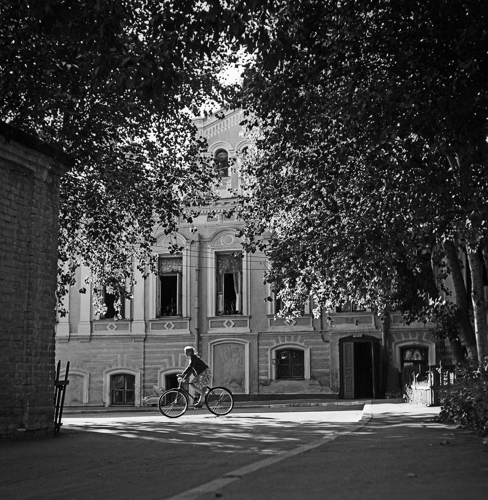 1962. Большой Ивановский переулок. Веловыезд