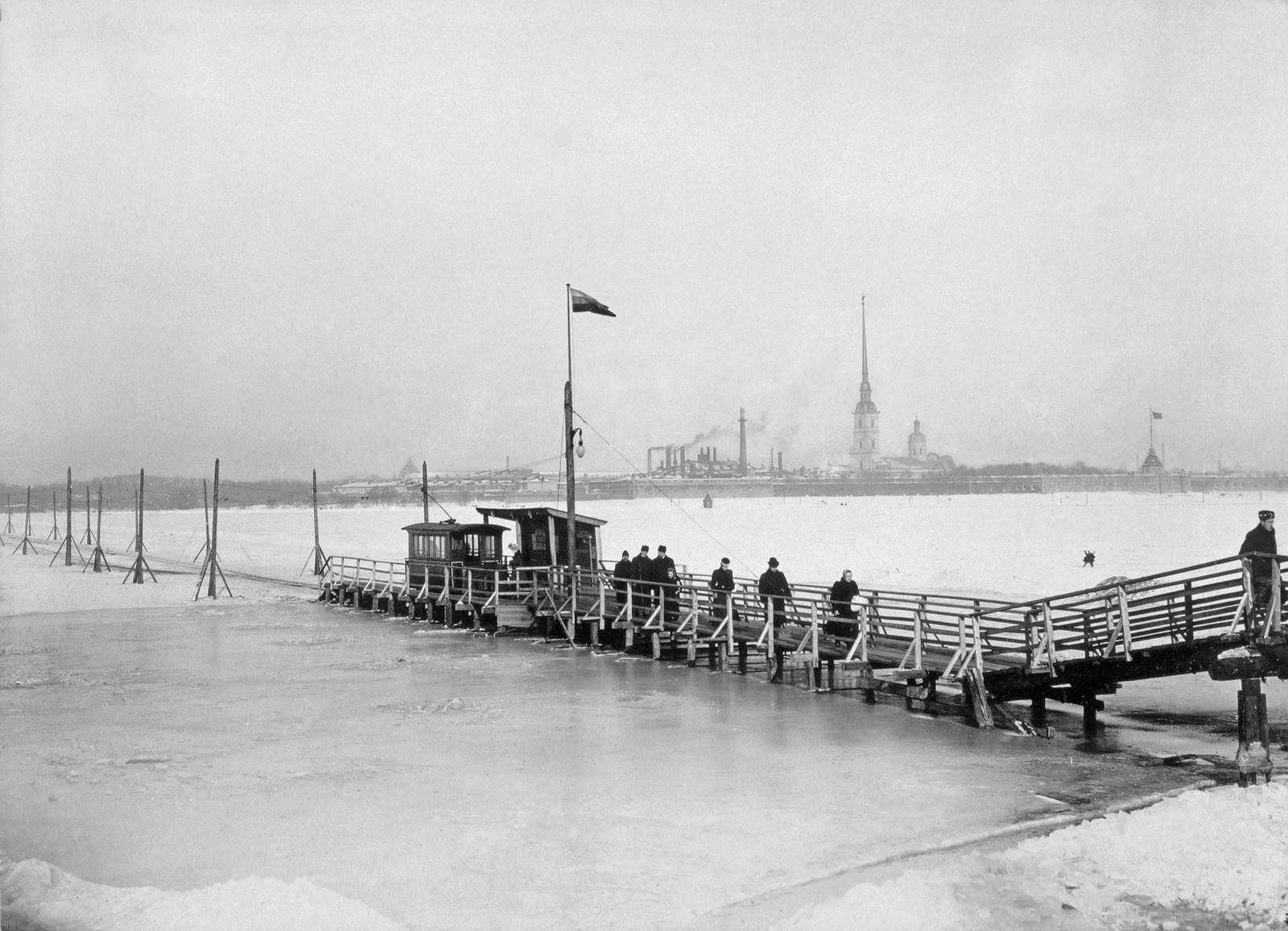 1900-е. Зимний трамвай на Неве