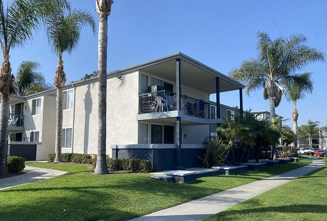 Shapel & Webb Apartments, Killingsworth, Brady & Smith 1964