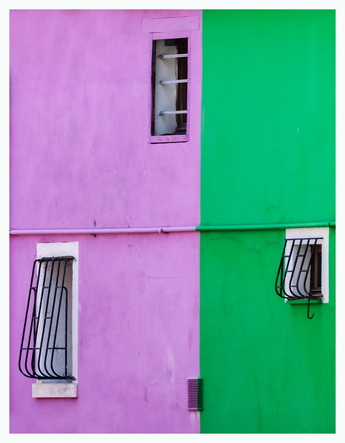 three windows on two colors