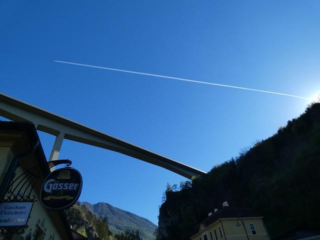 Flugzeug oder Autobahn / Plane or motorway