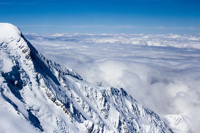 Depuis le téléphérique vers l'Aiguille du Midi (Chamonix Mont-Blanc, Les Alpes, France)