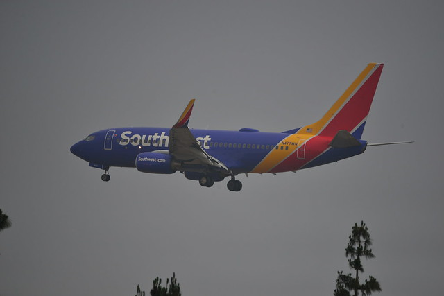 Southwest Airlines Boeing 737-7H4 N477WN