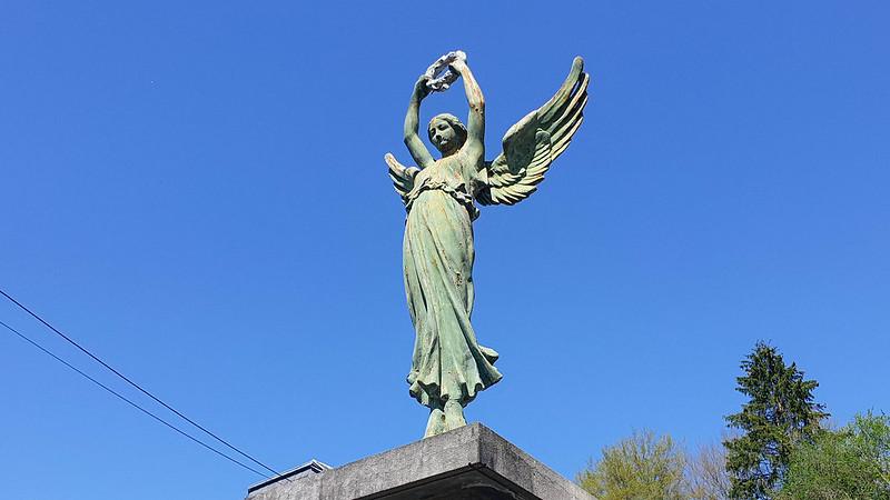 Dohan / Monument aux morts des deux guerres