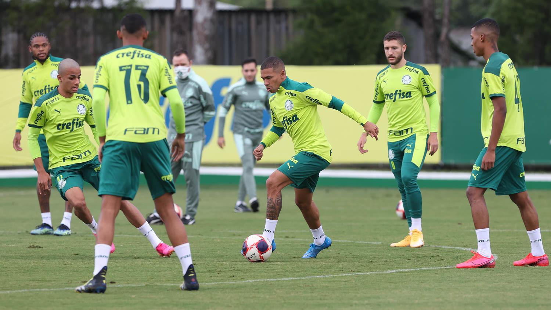 Marcos Rocha tem lesão confirmada, e elenco faz treino antes do Dérbi; veja provável escalação