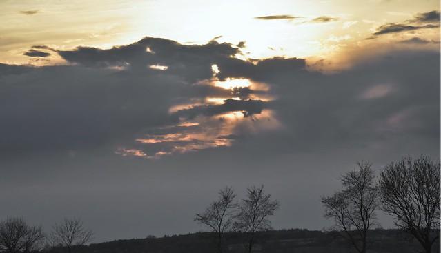 Wolkiger Abendhimmel vor meinem Fenster; Bergenhusen, Stapelholm (3)