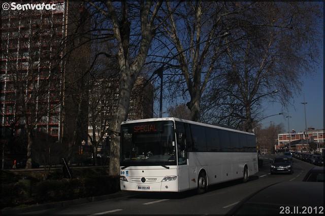 Mercedes-Benz Intouro