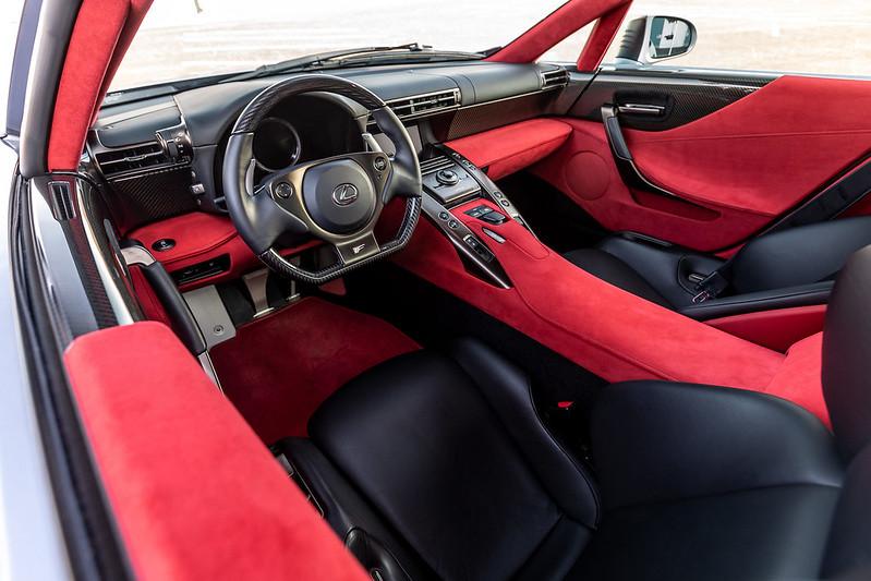 Lexus-LFA-8